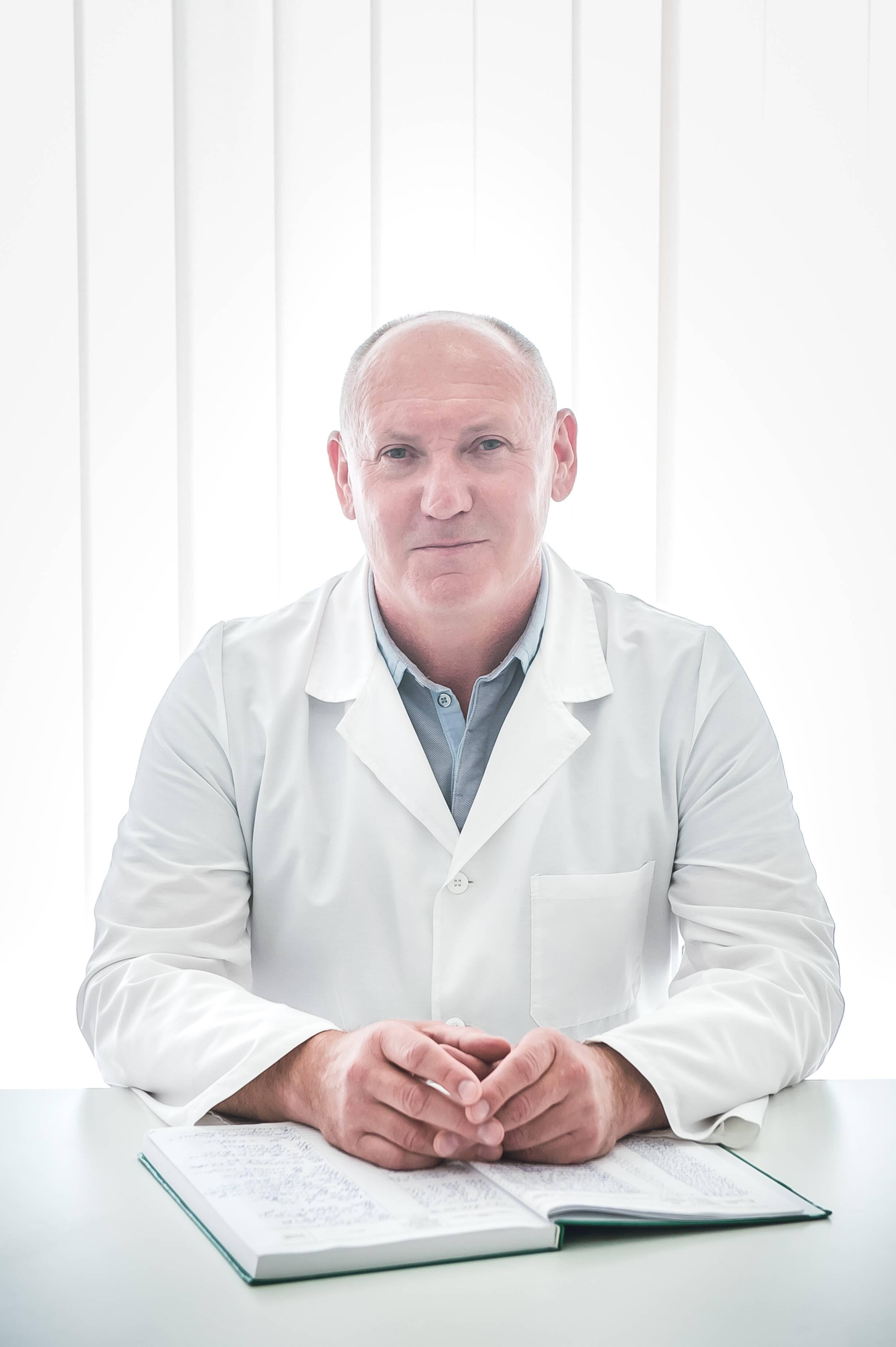 лікар Зелений Володимир Петрович: опис, відгуки, послуги, рейтинг, записатися онлайн на сайті h24.ua